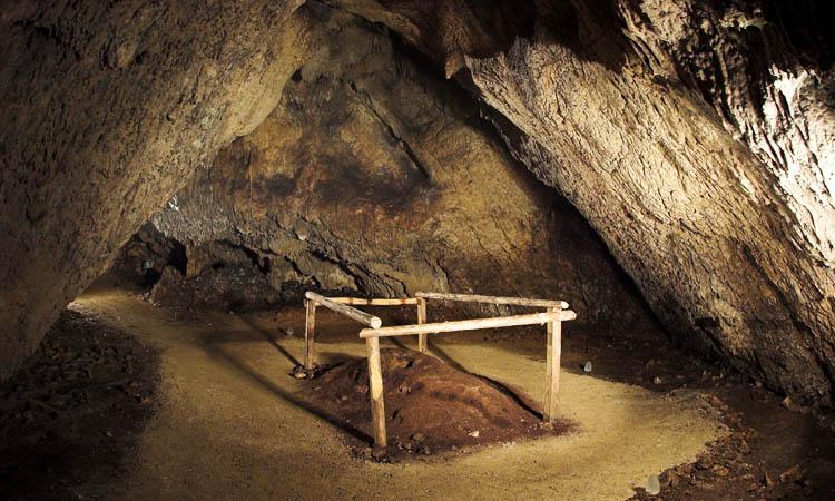 Grottes de Barać