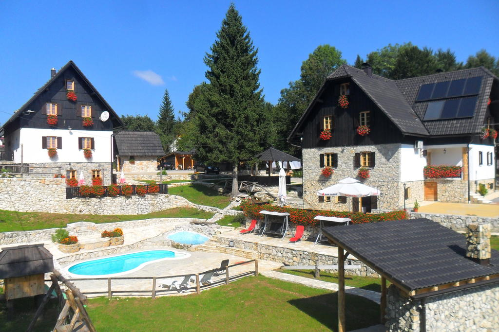 Matijević Vaso – Plitvice Etno House