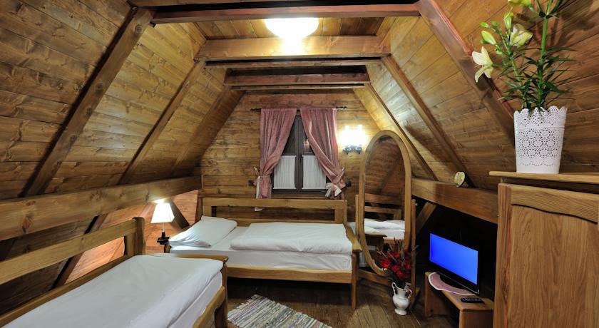 Kardum  Ranilović Maja  – Ethno Houses Plitvica Selo