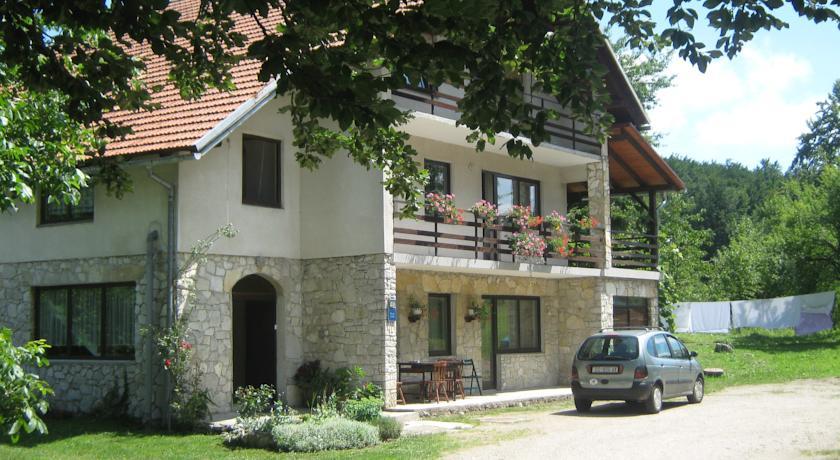 Rapaić Zdravko – Nature Guest House