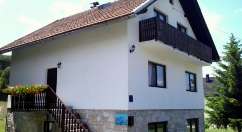 Rapaić Duško – House Rosha