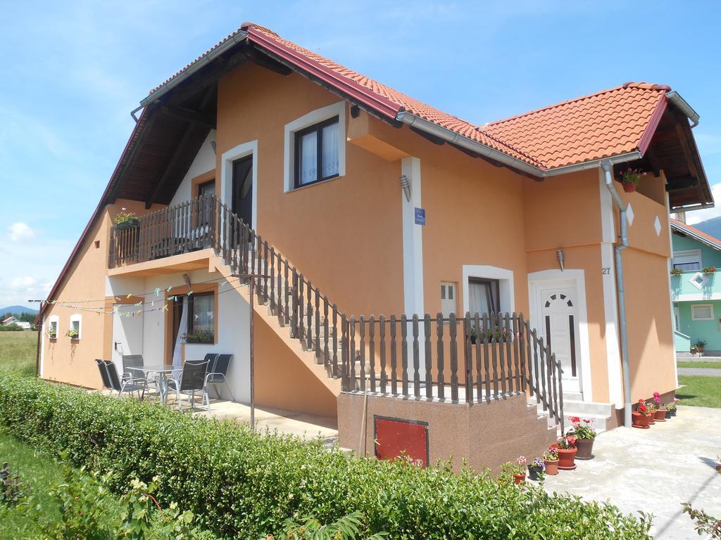 Ružić Ruža – Apartment Ruža