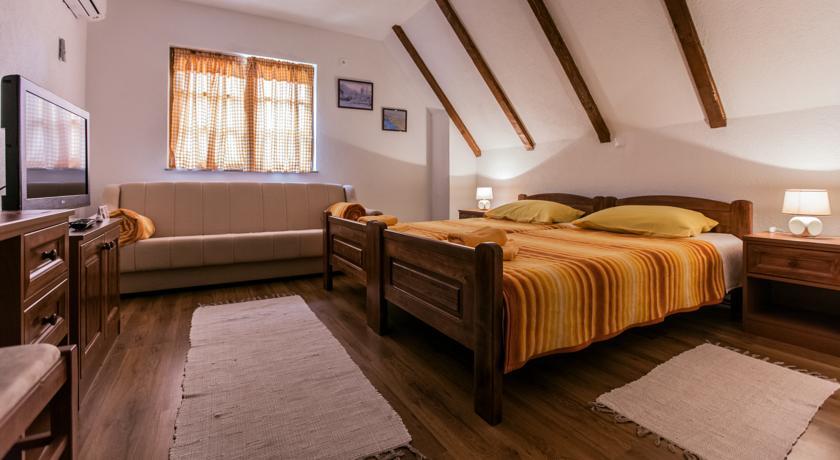 Vukobratović Vera – Guest House Rustico