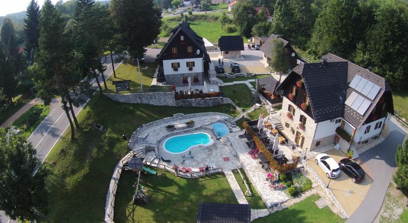 Drakulić Sava –  Plitvice Etno House
