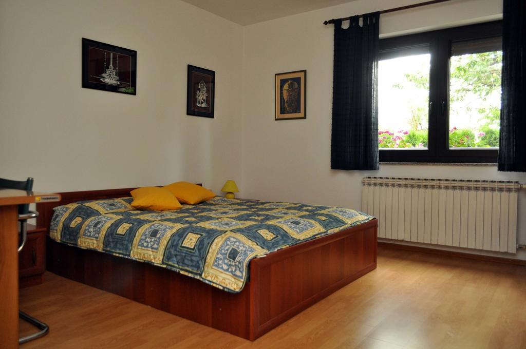 Korica Velimir – Apartment Maja