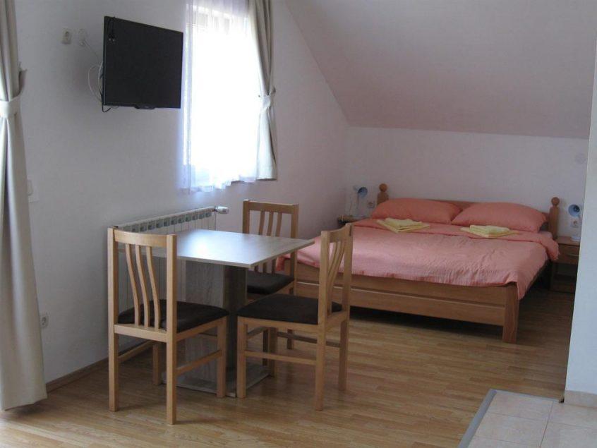 Mesić  Dalibor – Apartments Dale