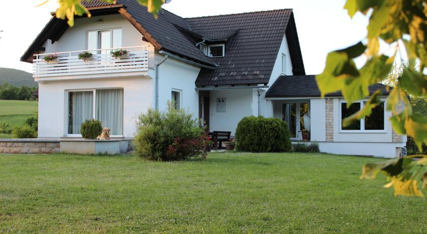 Krizmanić Darko – House Biba & Leon