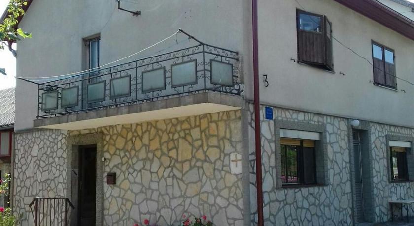 Rapaić Dragan – Guest House Rapaić