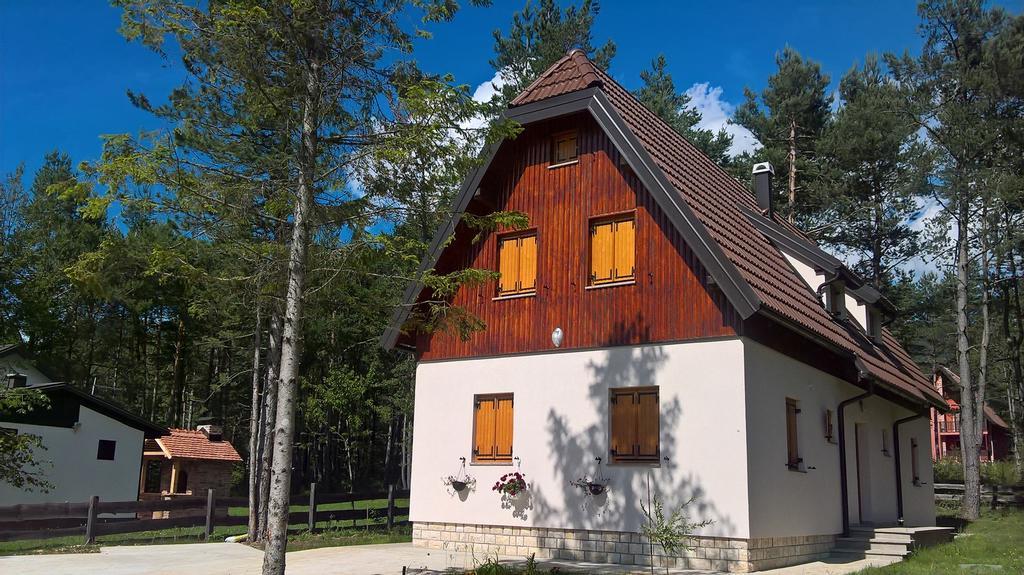 Akuoma Boromisa Helen – Cottage Alexandar