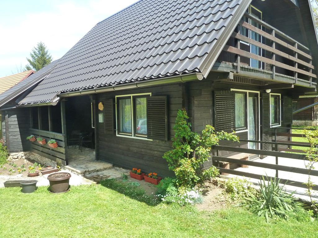 Sekulić Dragan – Estavela Holiday Home