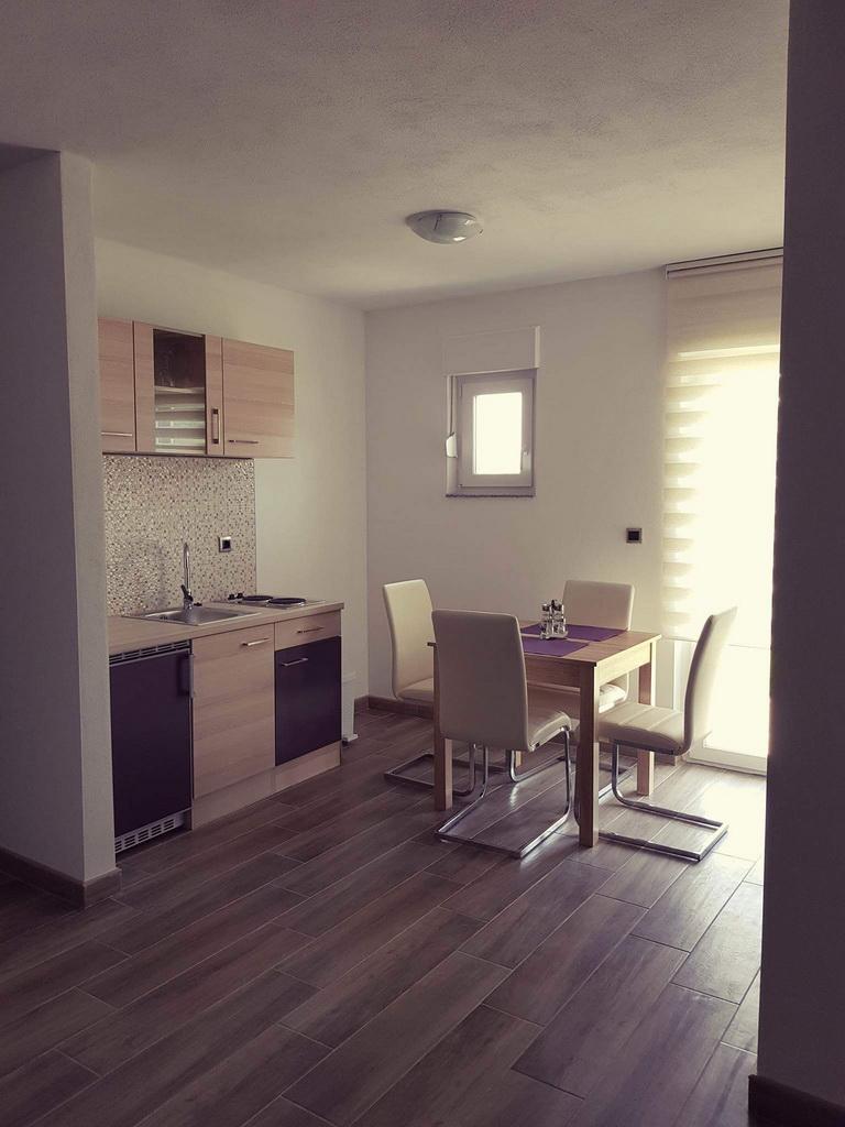Apartmani Lovro 1