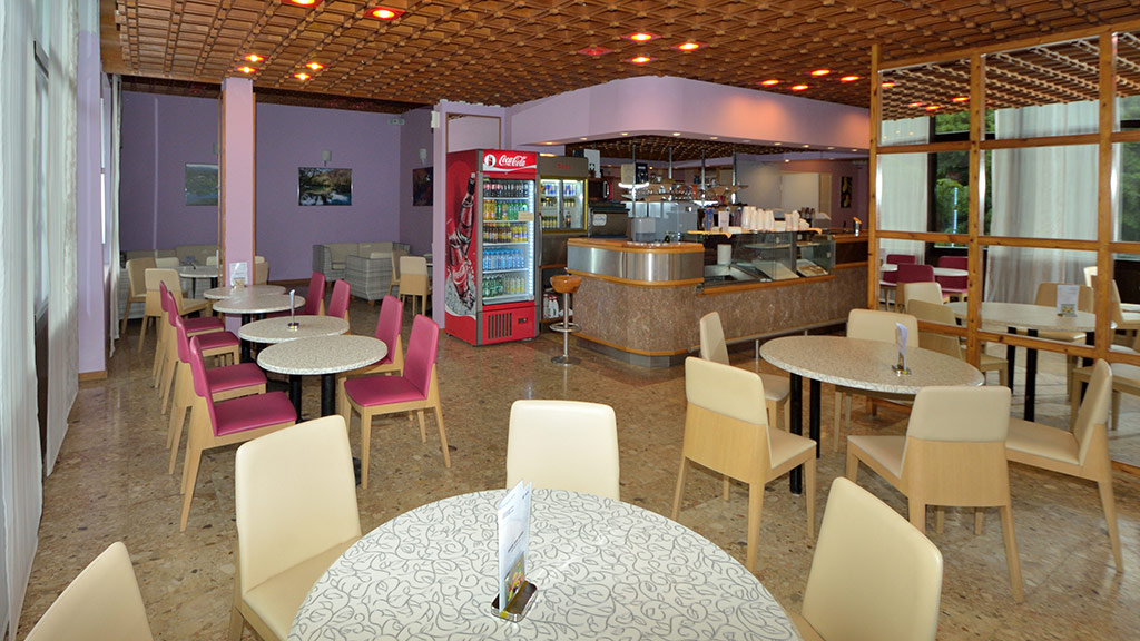 Caffe Flora