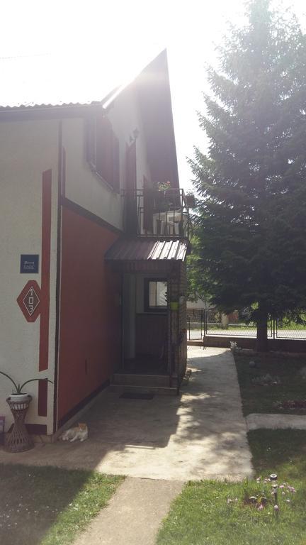 Hinić Miloš – Apartment Lea