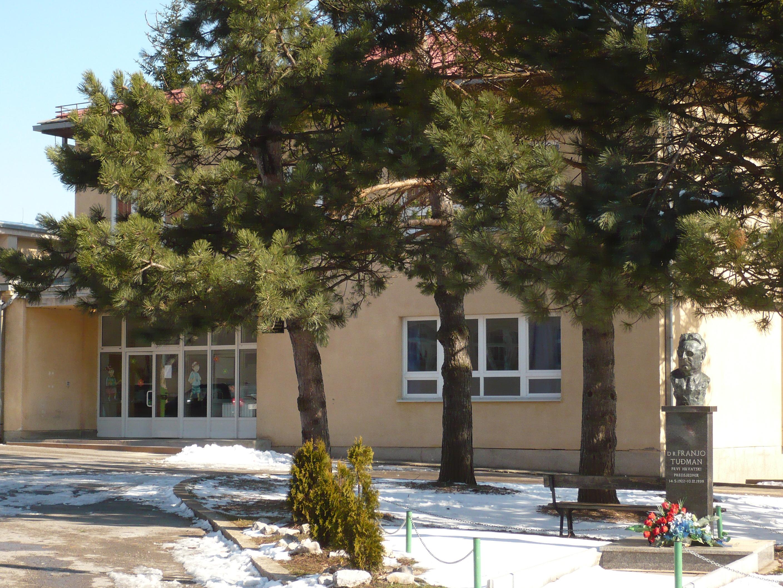 L'école élementaire dr. Franjo Tuđman à Korenica