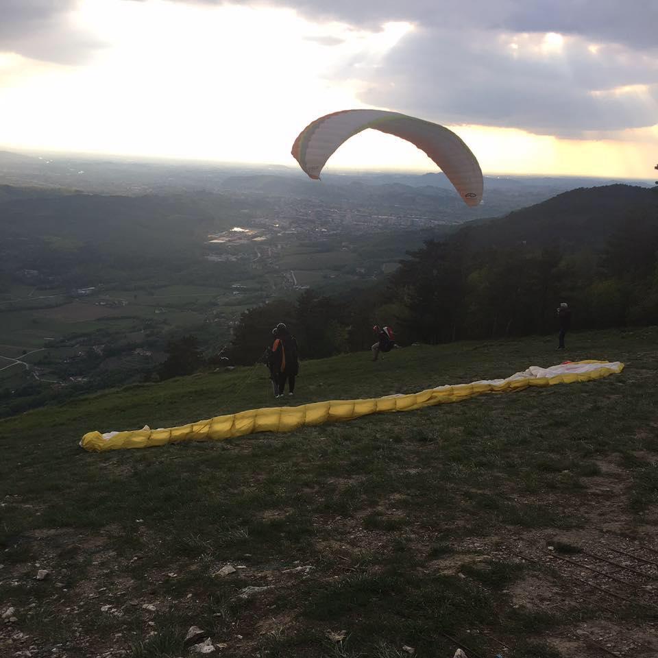 Paragliding Alvarium