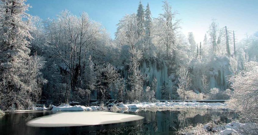 Plitvice_Lakes_Winter_time-open
