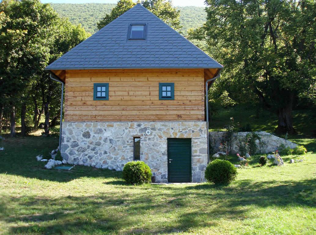 Borošić Slavica – Lička kuća Bornstein